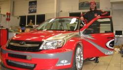 James Thompson, és a Lada Granta Sport